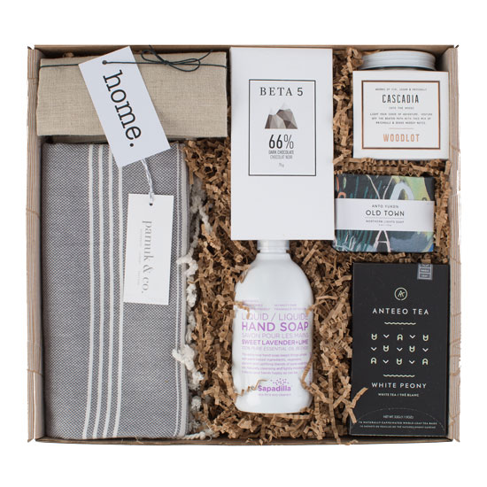 Luxurious new home gift with a blanket